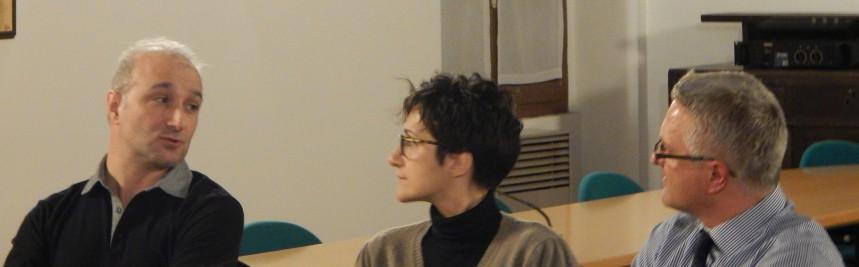 Gli autori (ai lati) e la conduttrice Viviana Filippini